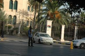 Un ancien agent des renseignements de Kadhafi fait la circulation dans Tripoli